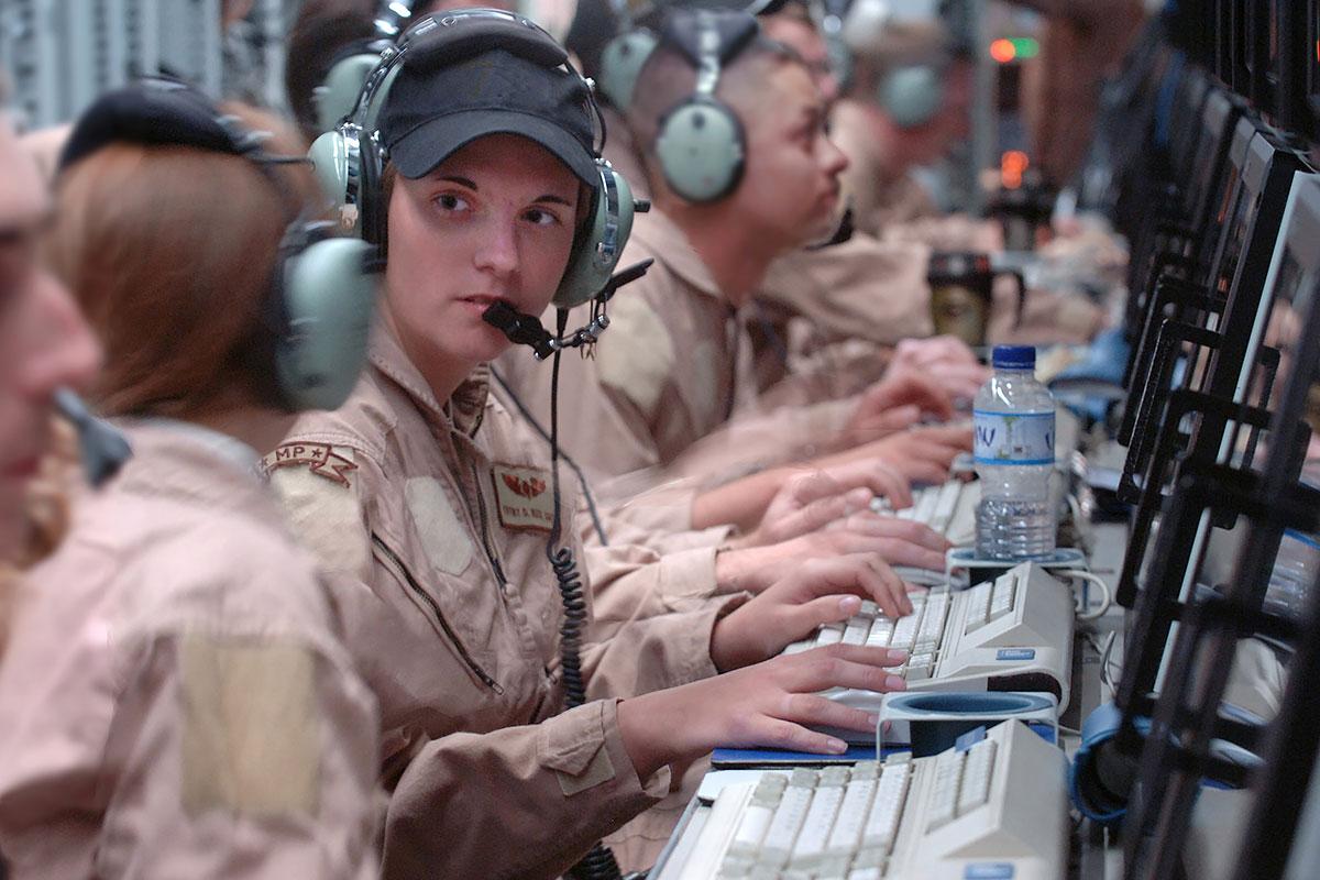 Rc 135v W Rivet Joint Military Com