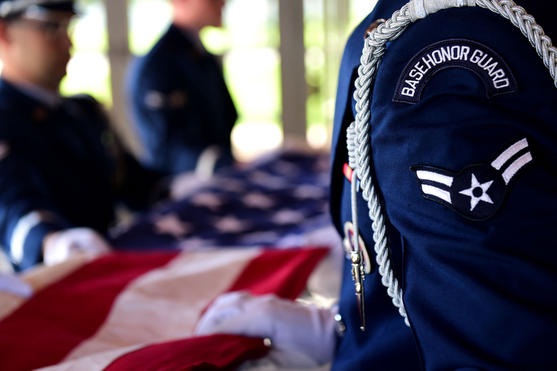 Thief Steals Car of Honor Guard Member During Funeral