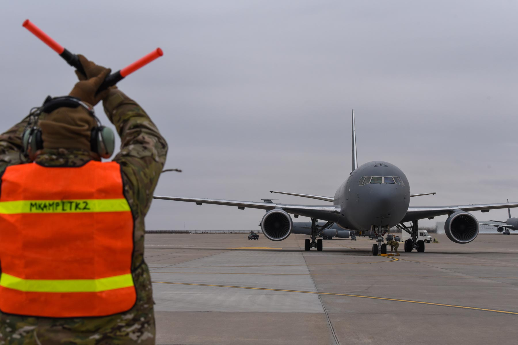 air force to keep close eye on boeing as kc