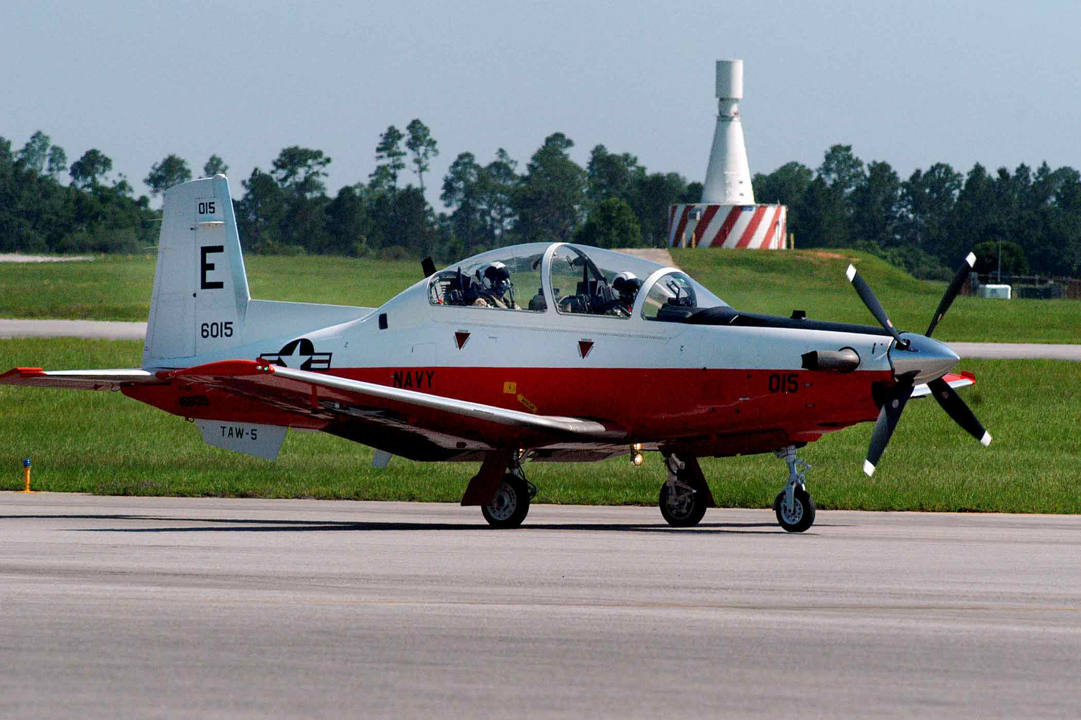 US Navy T-6B Texan II crashed into a heavily populated area for US Air Crash