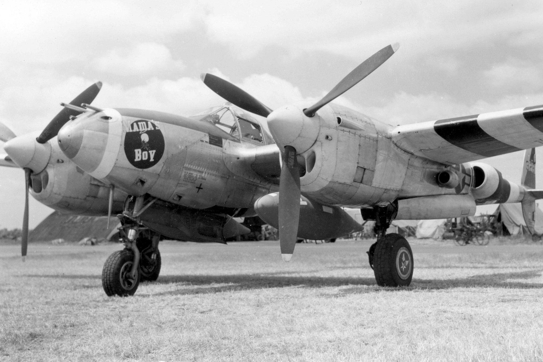 P-38 Pilot Reunited with Fighter at World War II Museum ...  P-38 Pilot Reun...