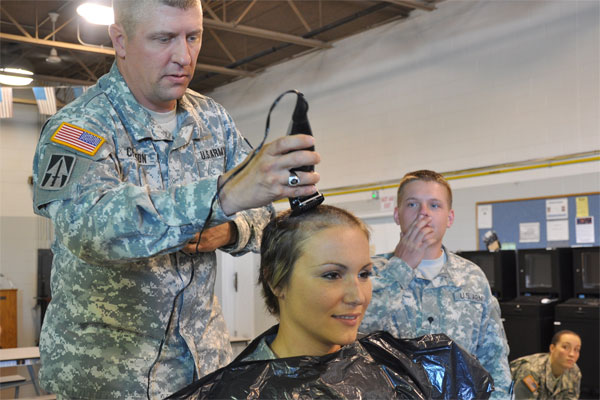 Soldier Shaves Head To Support Comrade Military Com