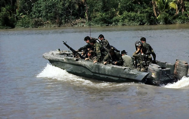 SEALSBassacRiver980x619 - 10 Lethal Special Operations Units From Around the World