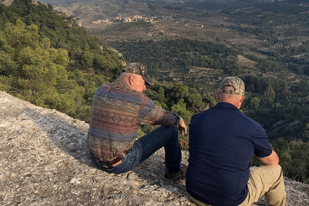 Marine Corps veterans James Conway and Blaine Scott enjoying a quiet moment in the outdoors. (Photo: Ho Lin)