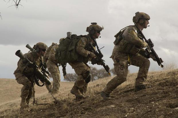 U.S. Army Rangers, assigned to 2nd Battalion, 75th Ranger Regiment, bound into position during Task Force Training on Fort Hunter Liggett, Calif., Jan. 30, 2014. (U.S. Army/Spc. Steven Hitchcock)