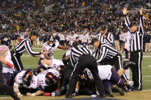 Navy quarterback Keenan Reynolds scored the winning touchdown to beat Army. (Military.com/Steve Whitman)
