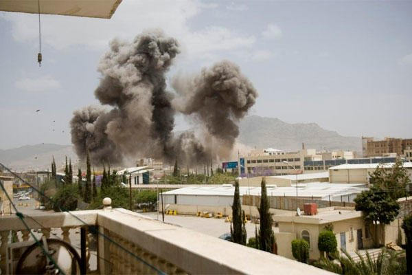 Smoke billows from a Saudi-led airstrike on Sanaa, Yemen, Wednesday, April 8, 2015. (AP Photo/Hani Mohammed)