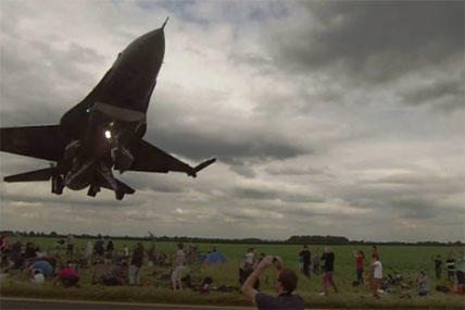 F-16 makes a low pass at an air show.