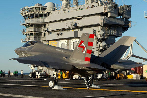 An F-35C Lightning II carrier variant Joint Strike Fighter makes an arrested landing aboard the aircraft carrier USS Nimitz. U.S. Navy photo