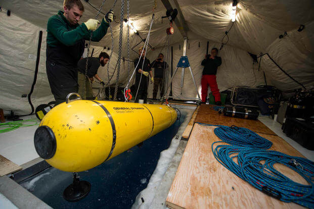 Students with MIT deploy the MACRURA Unmanned Underwater Vehicle during Ice Exercise (ICEX) 2016. (Photo: Mass Communication Specialist 2nd Class Tyler Thompson)