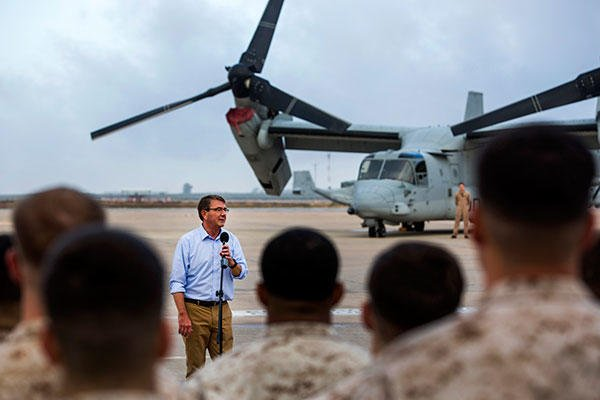 U.S. Defense Secretary Ash Carter speaks to U.S. service members on Morón Air Base, Spain, Oct. 6, 2015. (U.S. Marine Corps photo/Staff Sgt. Vitaliy Rusavskiy)