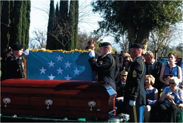 Soldiers honor Walter D. Ehlers, last surviving Medal of Honor recipient from D-Day