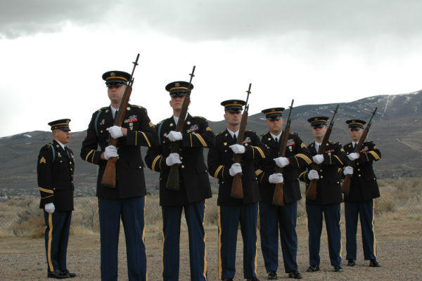 Oregon National Guard members