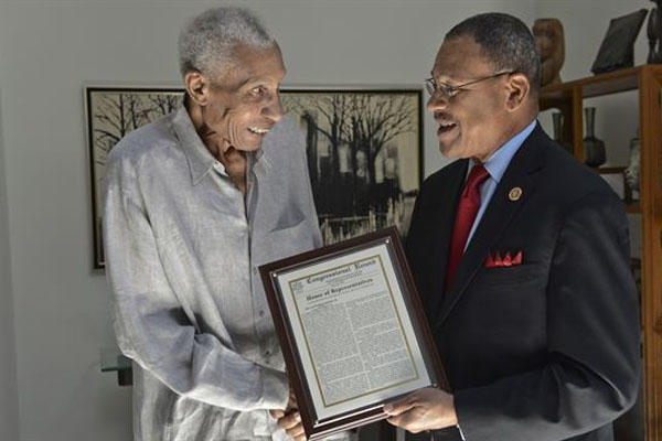 Marine Corps aviator Frank Peterson getting award