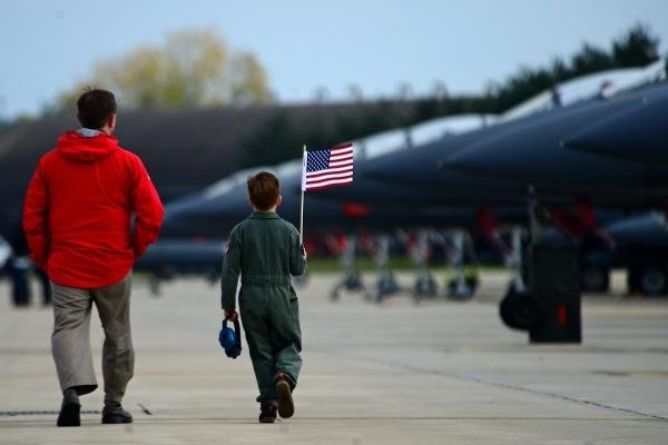 Families welcome home the 494th Fighter Squadron at Royal Air Force Lakenheath, England, Oct. 14, 2015. (U.S. Air Force photo by Erin O'Shea)