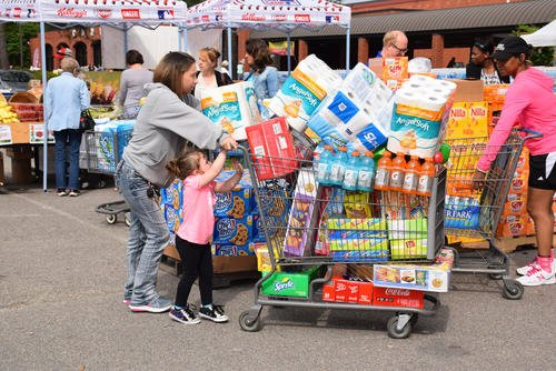 A scene from a Customer Appreciation Case Lot Sale at the Fort Lee, Virginia, Commissary. (DeCA/ Jessica Rouse)